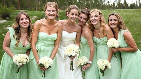 madrinhas-casamento-vestidos-da-mesma-cor