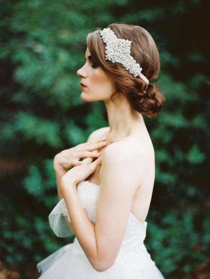 noiva-arranjo-cabelo-dia-da-noiva-véu-tiara-retro-vintage-penteado